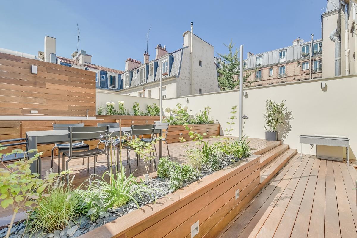 Création d'une terrasse sur le toit d'un immeuble à Paris : toit terrasse paysager architecte