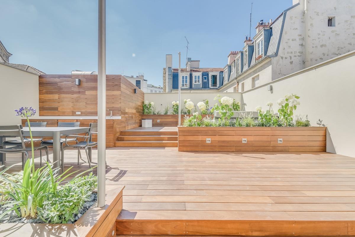 Création d'une terrasse sur le toit d'un immeuble à Paris : terrasse ipe architecte