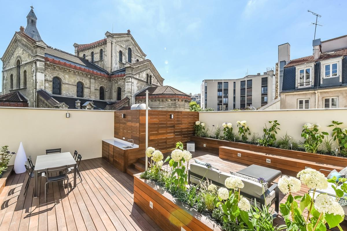 Création d'une terrasse sur le toit d'un immeuble à Paris : Rooftop architecte paris