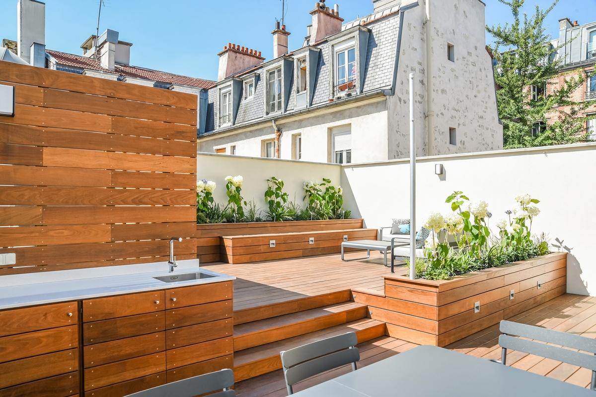 Création d'une terrasse sur le toit d'un immeuble à Paris