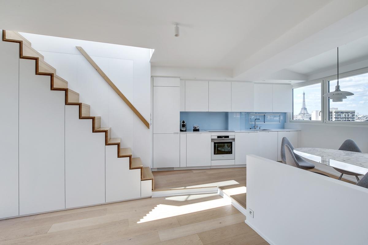 Réaménagement d'un appartement à Paris et création d'un rooftop : Escalier architecte