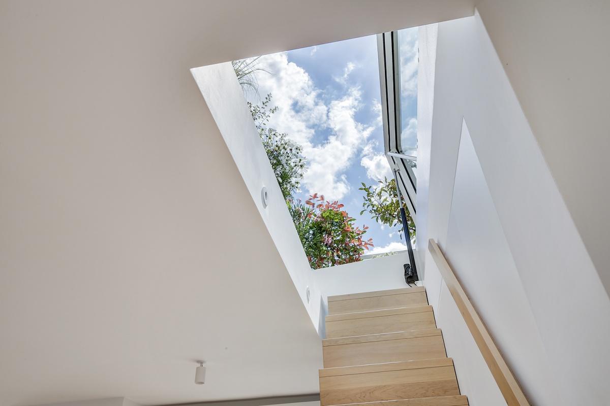 Réaménagement d'un appartement à Paris et création d'un rooftop : acces terrasse architecte