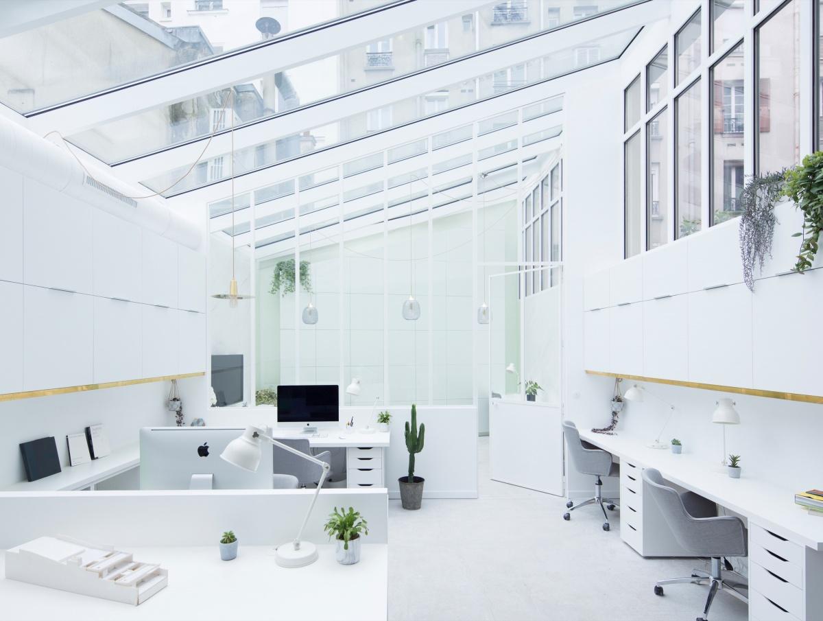 Transformation d'un garage automobile en bureaux