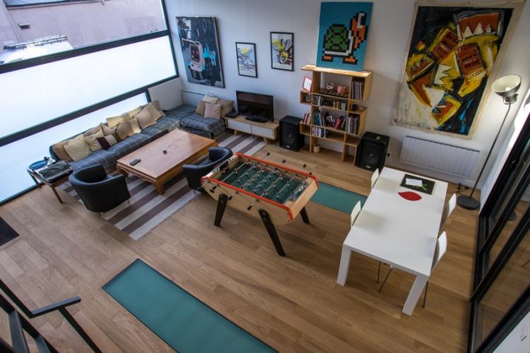 Construction d'un loft : 3 Le salon et son espace jeu.jpg