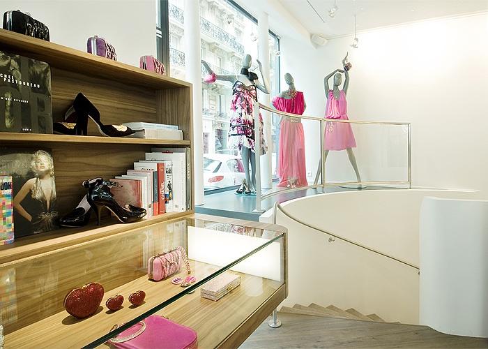 Boutique Métal Flaque, rue de l'Echelle : 11_ 700x500