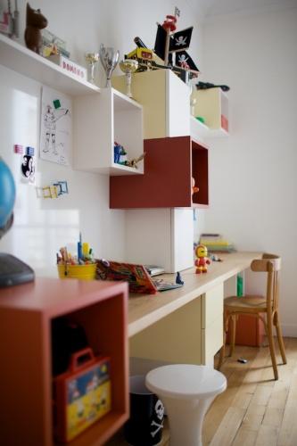 Bureaux et bibliothèque pour enfants : 090520-Agnes-073