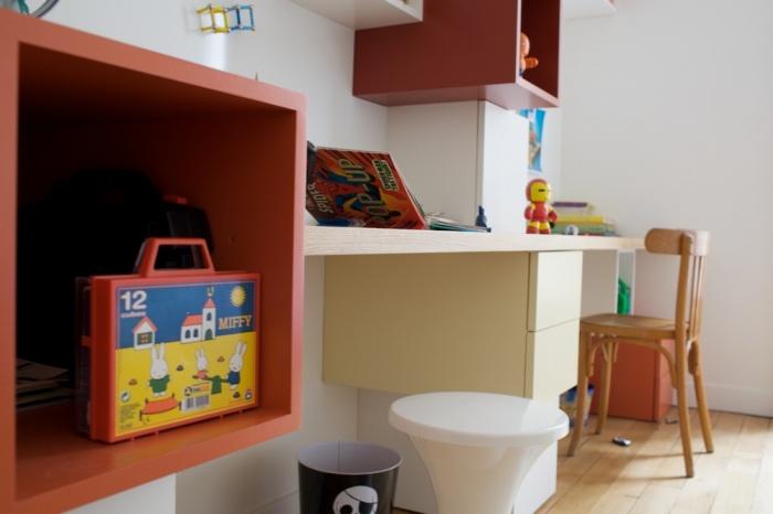 Bureaux et bibliothèque pour enfants : 090520-Agnes-075