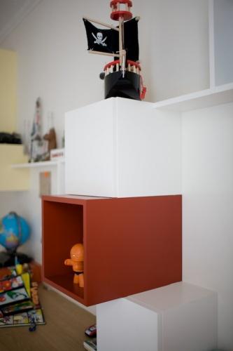 Bureaux et bibliothèque pour enfants : 090520-Agnes-061
