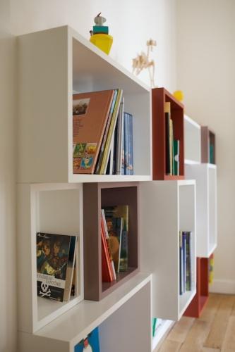 Bureaux et bibliothèque pour enfants : 090520-Agnes-124