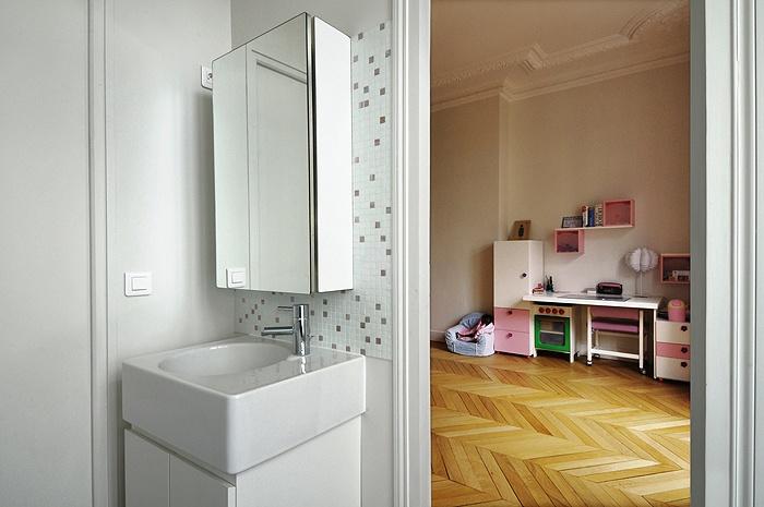 Appartement haussmanien : IC R ECR 2009-07-07_222 dim 700x465