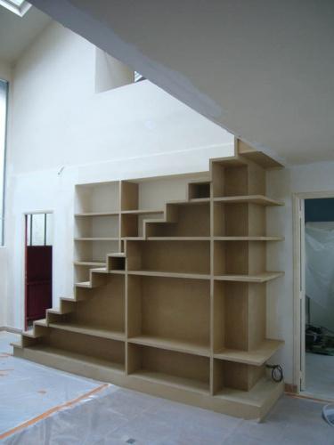 escalier biblioth que dans appartement paris 17 une. Black Bedroom Furniture Sets. Home Design Ideas