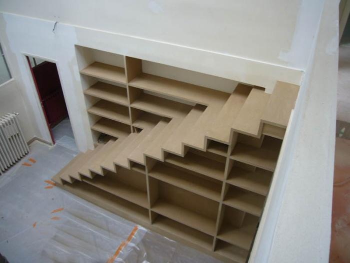 Escalier biblioth que dans appartement paris 17 une for Construire une bibliotheque en mdf