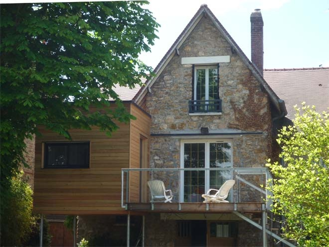 Architectes extension en bois d 39 une meuli re for Extension maison verre