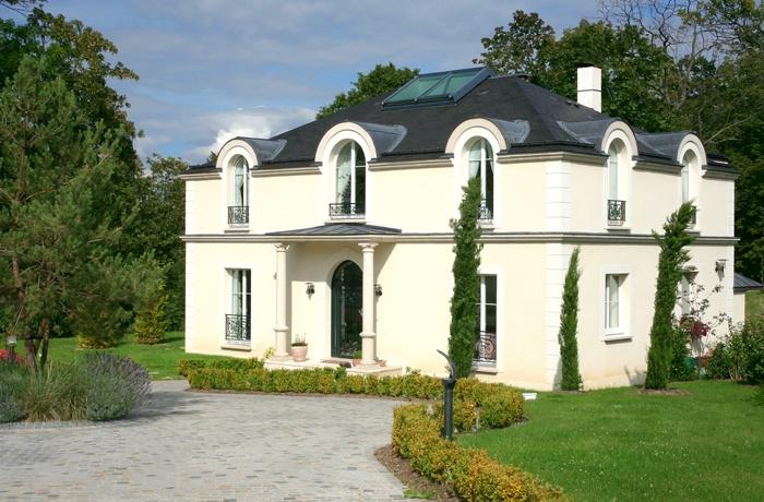 Architectes villa de luxe versailles for Photos de facades de belles maisons