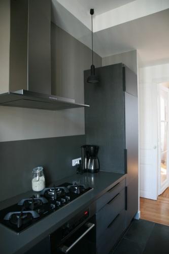 r novation d 39 un appartement classique saint mand une. Black Bedroom Furniture Sets. Home Design Ideas