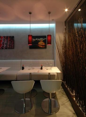 Restaurant Eat SUshi Japanese Food