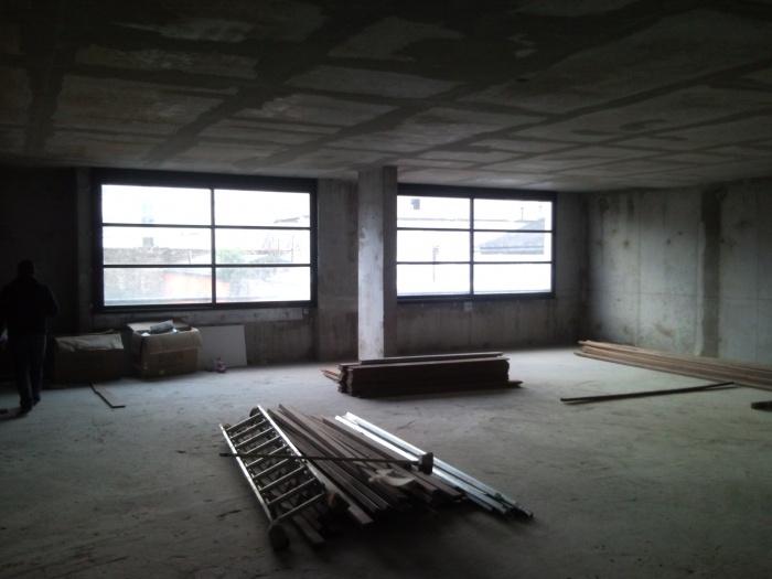 Un plateau de bureaux : avant