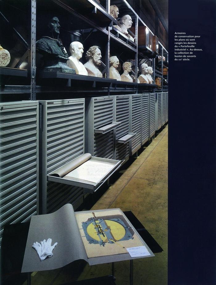 Réserves du Musée des Arts et Métiers / pour F. Deslaugiers architecte : Cnam_livret_statues_light