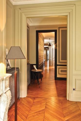 architectes r novation d 39 un appartement haussmannien paris. Black Bedroom Furniture Sets. Home Design Ideas