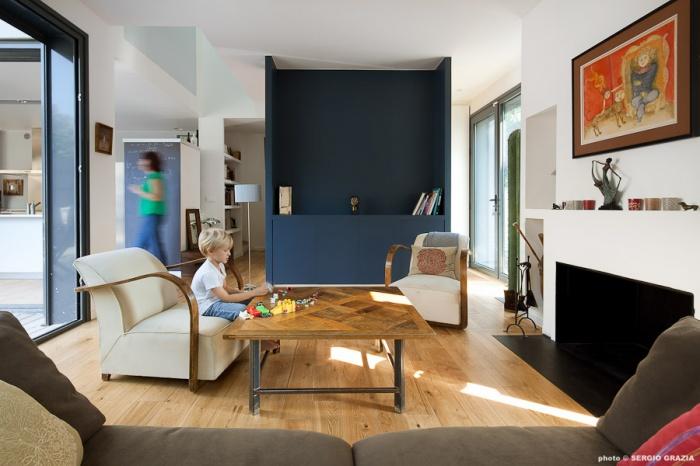 Maison contemporaine : IC R ECR 2011-09-28_0065 T
