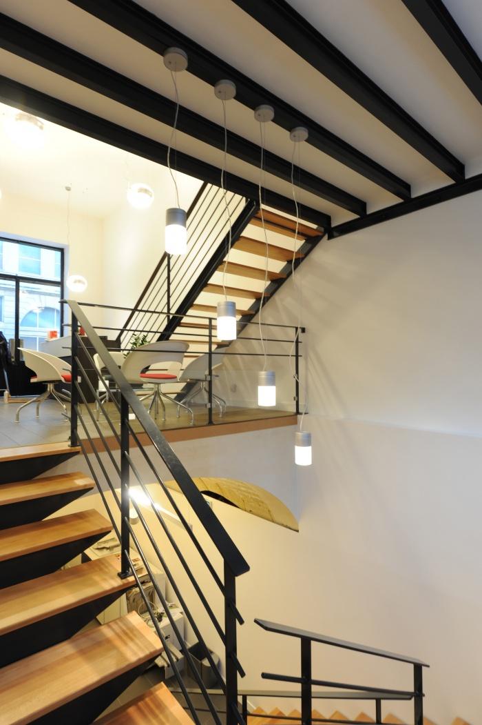 Showroom et bureaux d'Adexgroup : 7