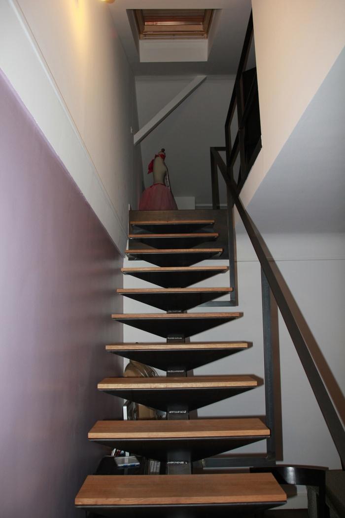 Aménagement de combles dans un immeuble d'habitation : Escalier créé