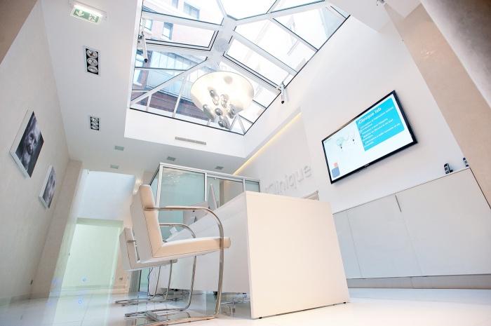 Clinique dentaire : Accueil espace prothèses