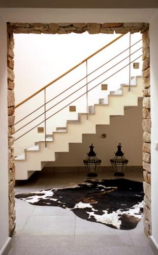 Une maison unifamiliale à Alger : escalier principal