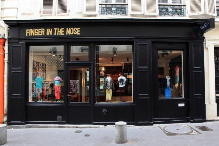 Aménagement intérieur d'une boutique de mode