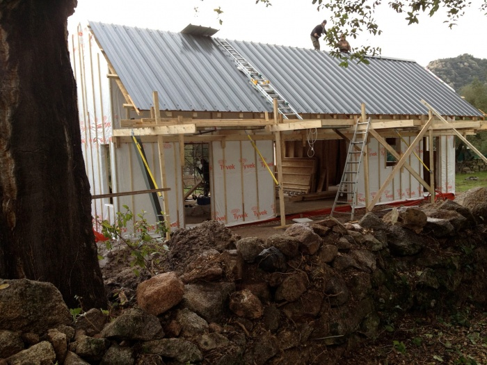 Maison écoresponsable ossature bois_Corse : chantier_façade sud