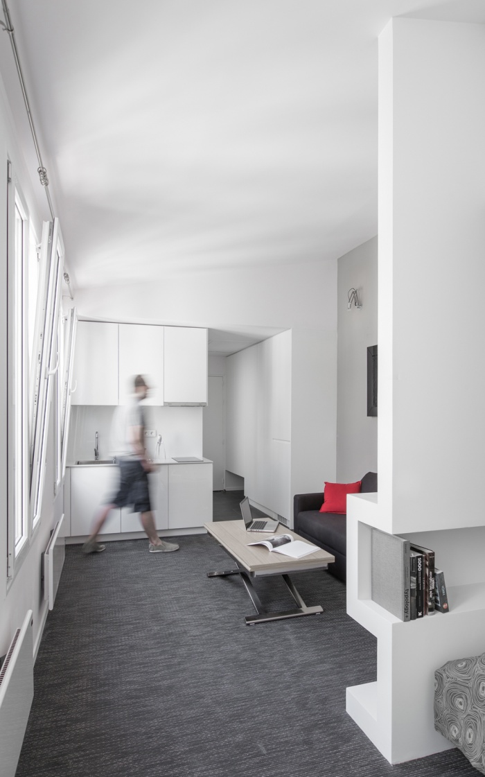 STUDIO - Place de la Bastille : untitled shoot-6117m