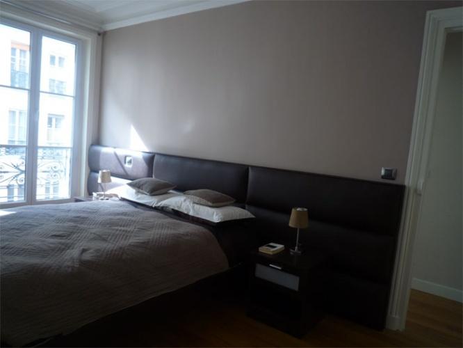 Rénovation d'un appartement rue du Faubourg Saint Honoré : Chambre parents - tête de lit