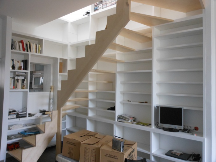 am nagement d 39 un duplex autour d 39 un escalier biblioth que montreuil une r alisation de eco a. Black Bedroom Furniture Sets. Home Design Ideas