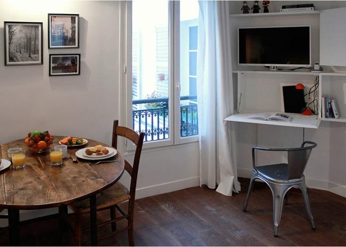 Studio 22m²_Paris 4ème : vue coin bureau