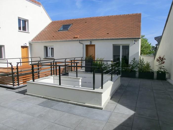 Réhabilitation, extension et surélévation d'un immeuble insalubre - Meaux : 01.Photo réalisé 3