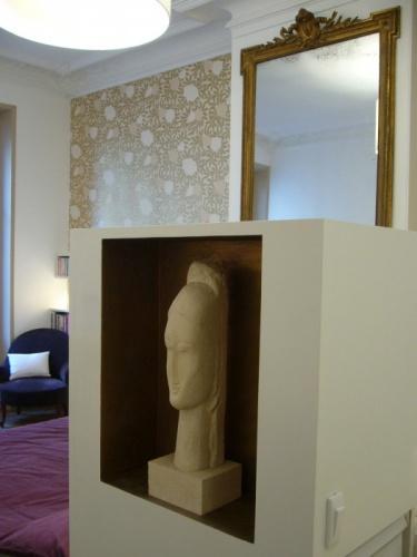 Chambre / bureau contemporains dans appartement classique
