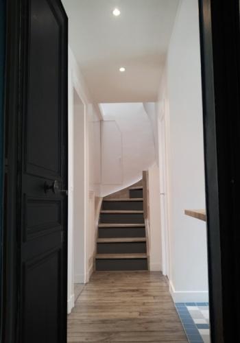 Duplex sous les toits à Montmartre : yemesaunier-duplex-entree