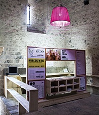 Parapertusa Infopoint/Bookshop : espace accueil2