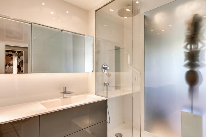 Appartement à Paris 07 : Vue salle de bain1
