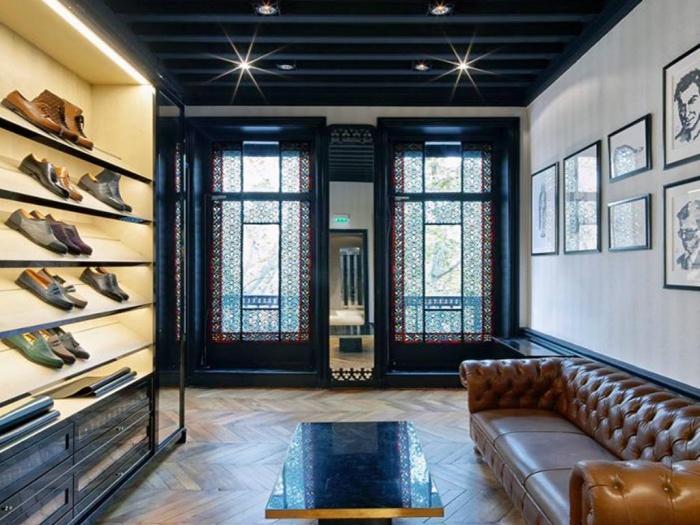 Retail_boutique de chaussures de luxe