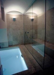 Maison à Neuilly : Piscine et hammam en sous-sol