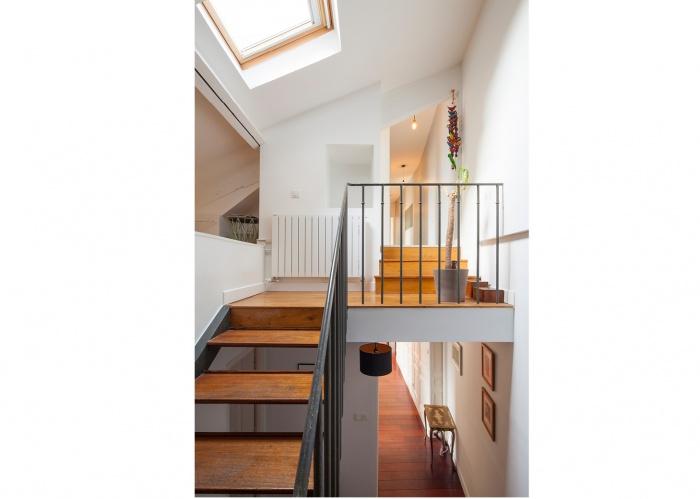 SURÉLÉVATION D'UNE MEULIÈRE A PANTIN : escalier