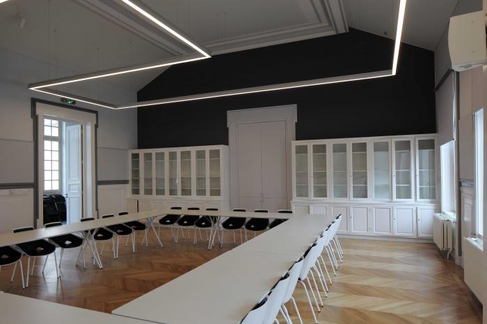 Salle polyvalente dans un lycée parisien : 700_7628Salle-Colbert