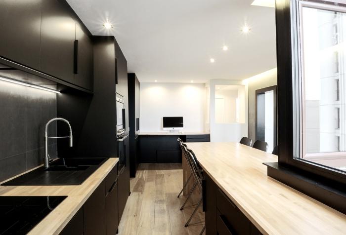 A 25 - Un Appartement