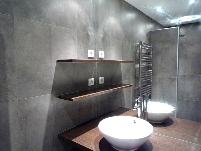 Amenagement salle de bain en longueur photos de for Amenagement salle de bain en longueur