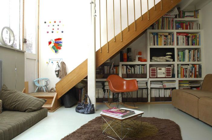 Architectes 13 exp rimentations atelier paris paris for Comamenager dessous escalier